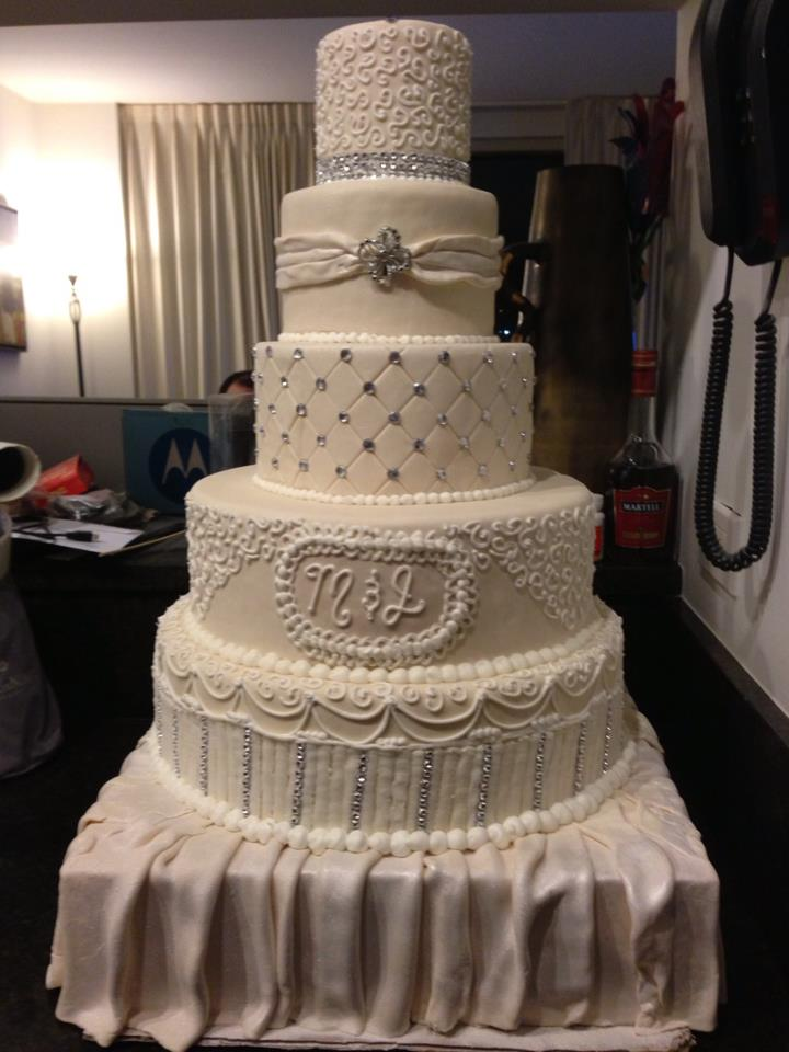 These Are Show Stopper Fake Wedding Cakes Remember Only Your Imagination Stops You Pricing Depends On Design